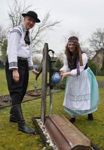 Trachtenpaar der Siebenbürger-Sachsen